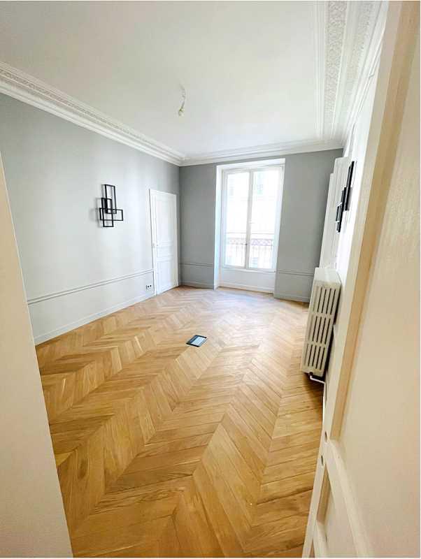 Bureaux de 167 m² À louer à Paris 9e Arrondissement