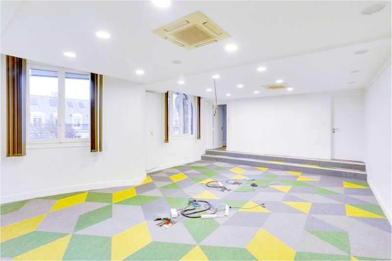 Bureaux de 377 m² À louer à Paris 2e Arrondissement