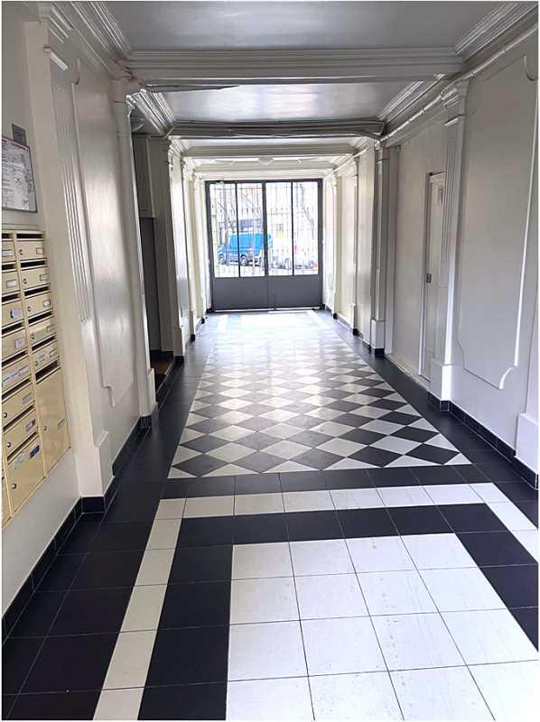 Bureaux de 176 m² À louer à Paris 17e Arrondissement
