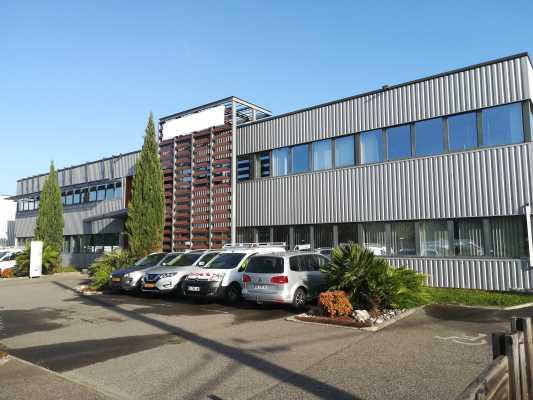 Locaux mixtes activité/bureau 689 m² Toulouse Sud Ouest ZFU