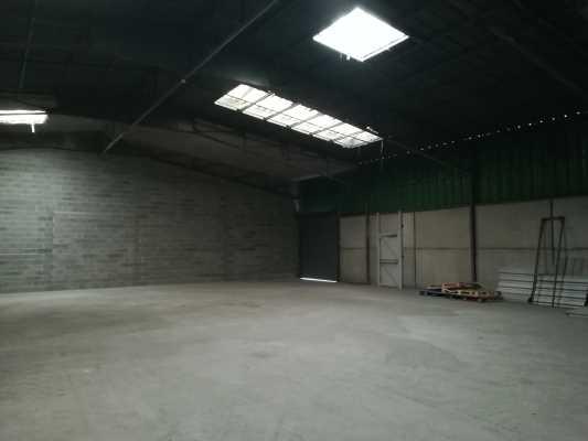 Local d'activité ou commercial 390  m² ZI LARRIEU