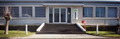 À louer 2500 m² local d'activités avec bureaux